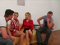 Blondýna, Skupinový sex, Tvrdé sex, Spodní prádlo